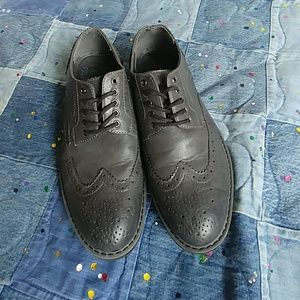 EUC Marc Anthony Brogue shoes